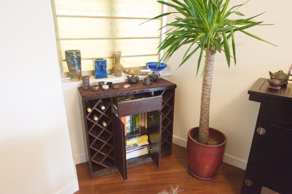Custom-built wine rack and book shelf, Kennedy Road, Wan Chai