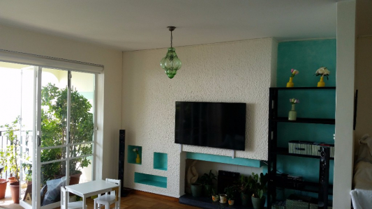Custom wall finishes, including paint and stucco effect, Pokfulam